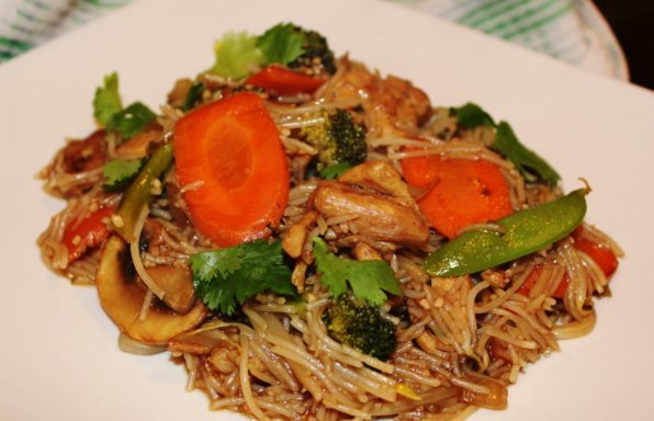 Chicken Vegetable Noodle Stirfry
